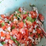 Pico de gallo colombiano